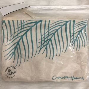 Cameron Hawaii Leaves Small Pouch
